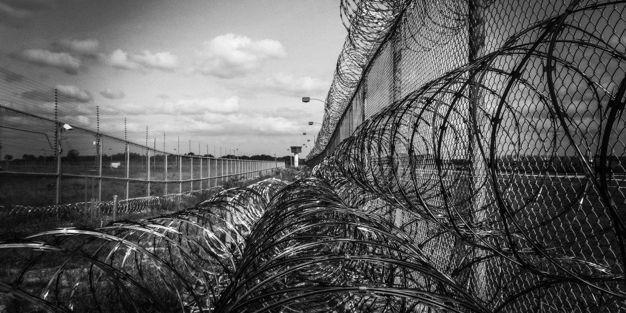 Zafakenewsy grozi coś gorszego niż więzienie