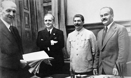 Rosja zakłamuje historię – narracja Kremla opakcie Ribbentrop-Mołotow