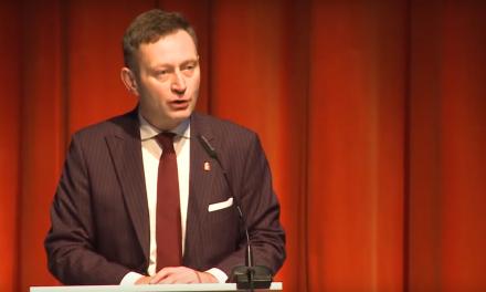 Wiceprezydent Rabiej dezinformuje. Polska zjednym znajniższych wskaźników przemocy wobec kobiet