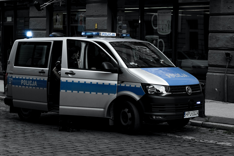 Kolejny fake news Barta Staszewskiego – tym razem dotyczy Policji