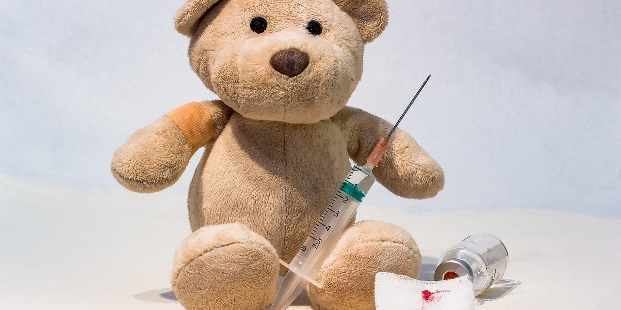 Tonieprawda, żewpolskich szpitalach noworodki są szczepione przeciwko Covid-19