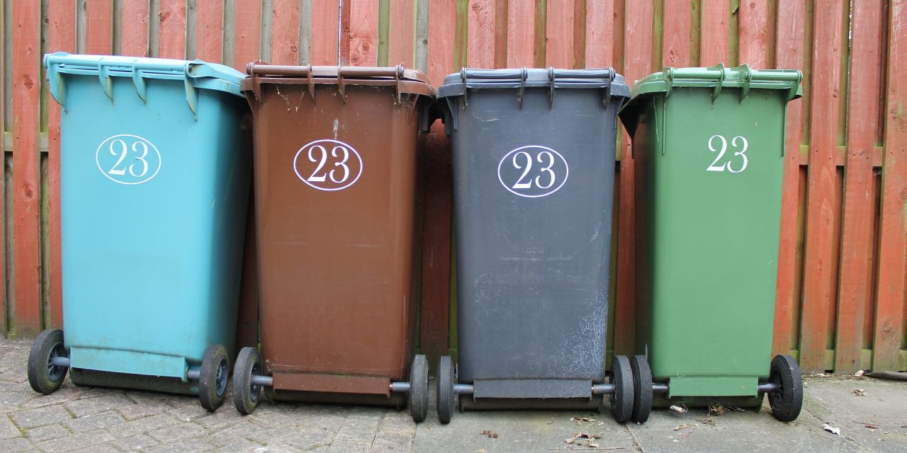 Wzrost opłat zagospodarkę odpadami wwarszawie toskutek nowej ustawy? Weryfikujemy