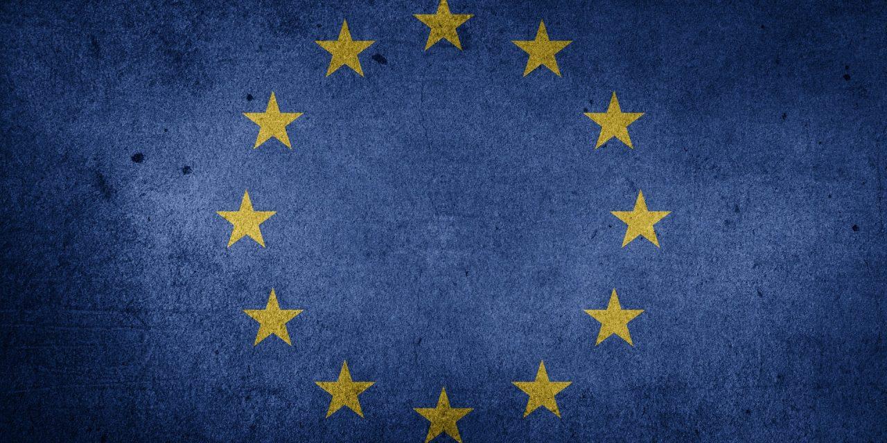 CzyUnia Europejska łamie prawo, kontrolując praworządność państw członkowskich ?