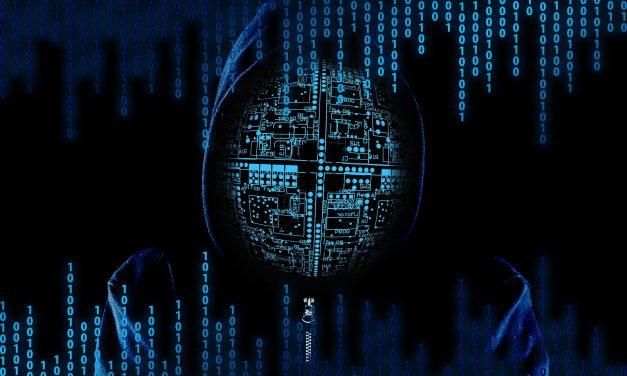 Cyberatak zRosji naMichała Dworczyka tosprawa kogoś zjego otoczenia? Sprawdzamy!