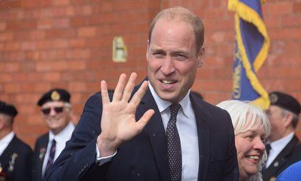 Obecność Księcia Williama naWembley dowodem nanieistnienie pandemii? Tomanipulacja