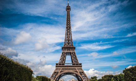 Rezydencja francuskiego premiera wpłomieniach? Sprawdzamy informacje dotyczące protestów weFrancji