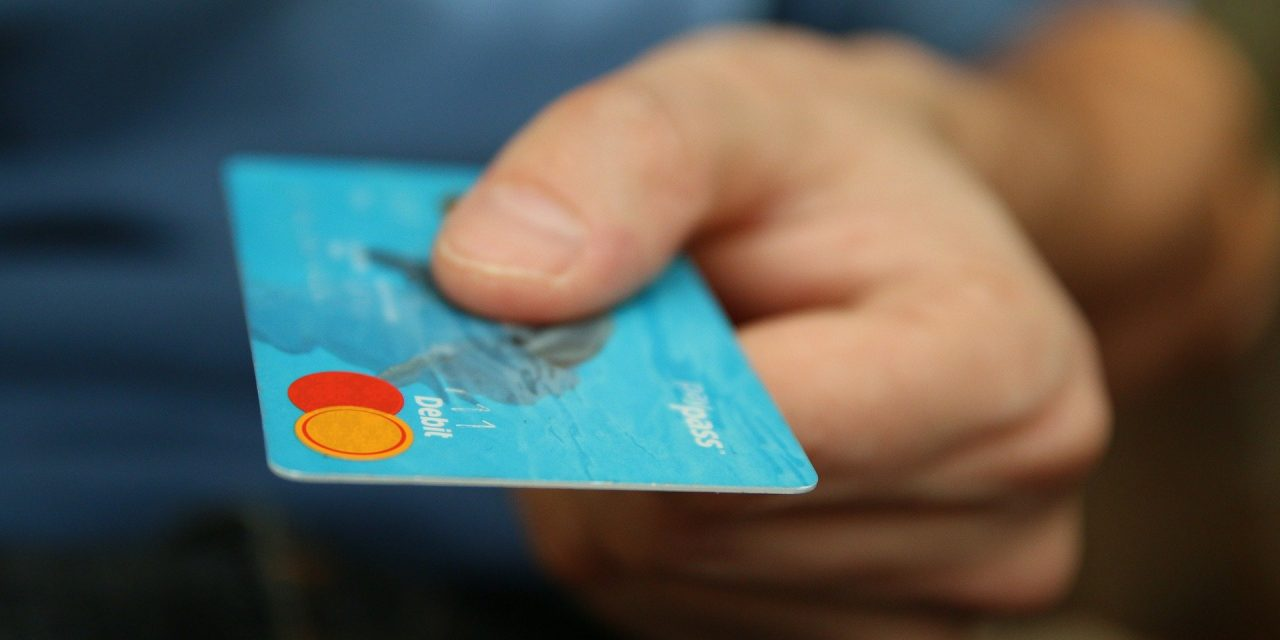NBP pracuje nadprzywróceniem polskiej karty płatniczej? Sprawdzamy