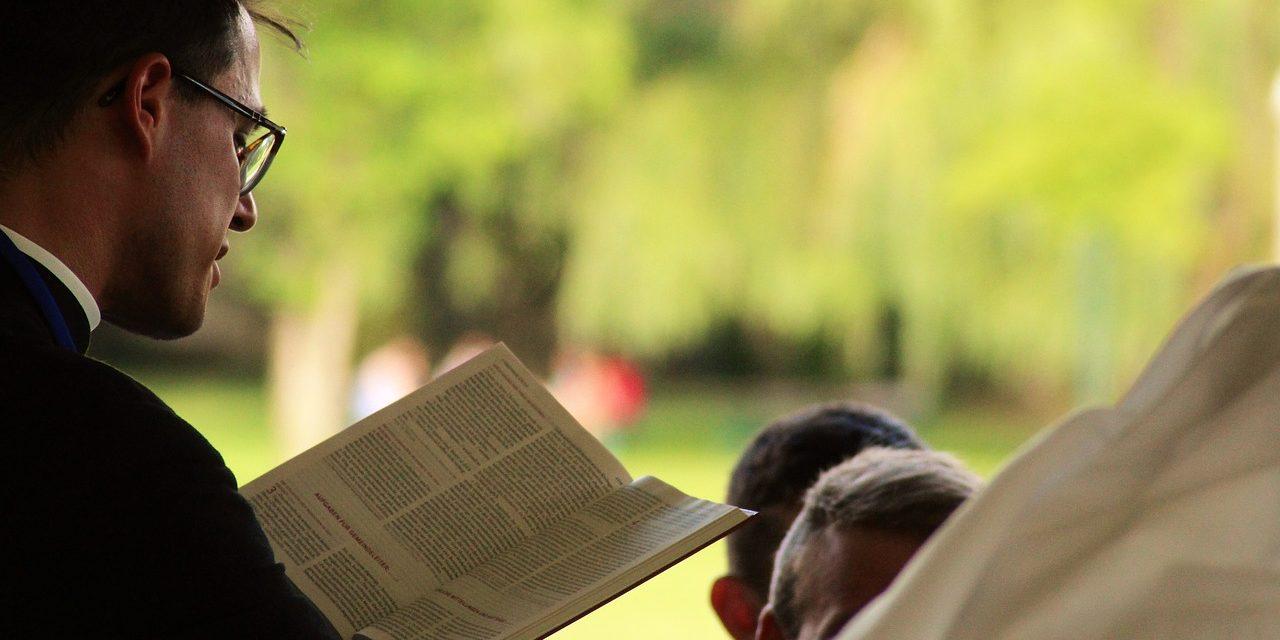 Duchowny katolicki niejest pastorem!