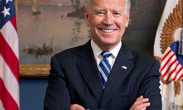 Nie, Joe Biden niewstrzymał wypłaty świadczeń zdrowotnych dla niezaszczepionych weteranów