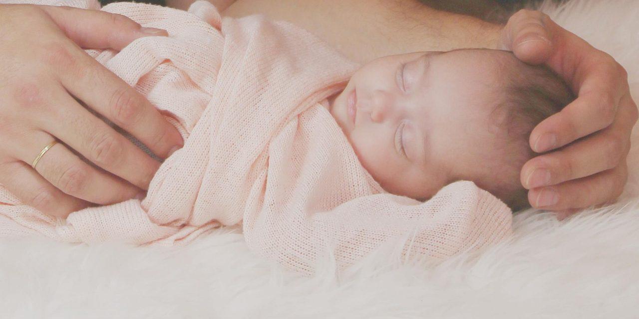 Nie, nowojorskie szpitale niezakazują niezaszczepionym rodzicom zabierania noworodków dodomu